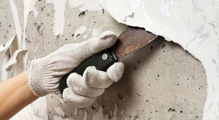 Подготовка стен под плитку: удаление обоев