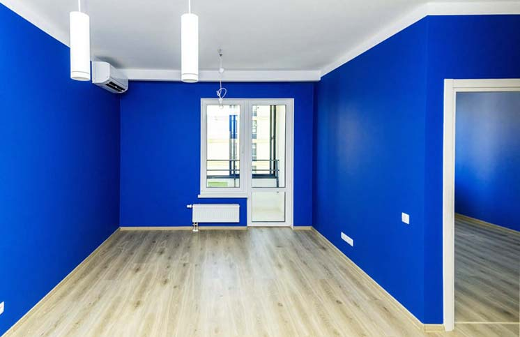 Вариант отделки комнат квартиры в синем цвете